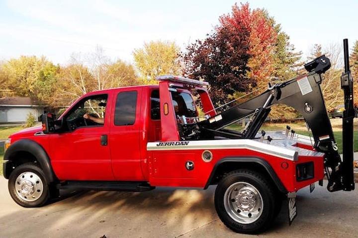 Van's Towing: Greenville, WI