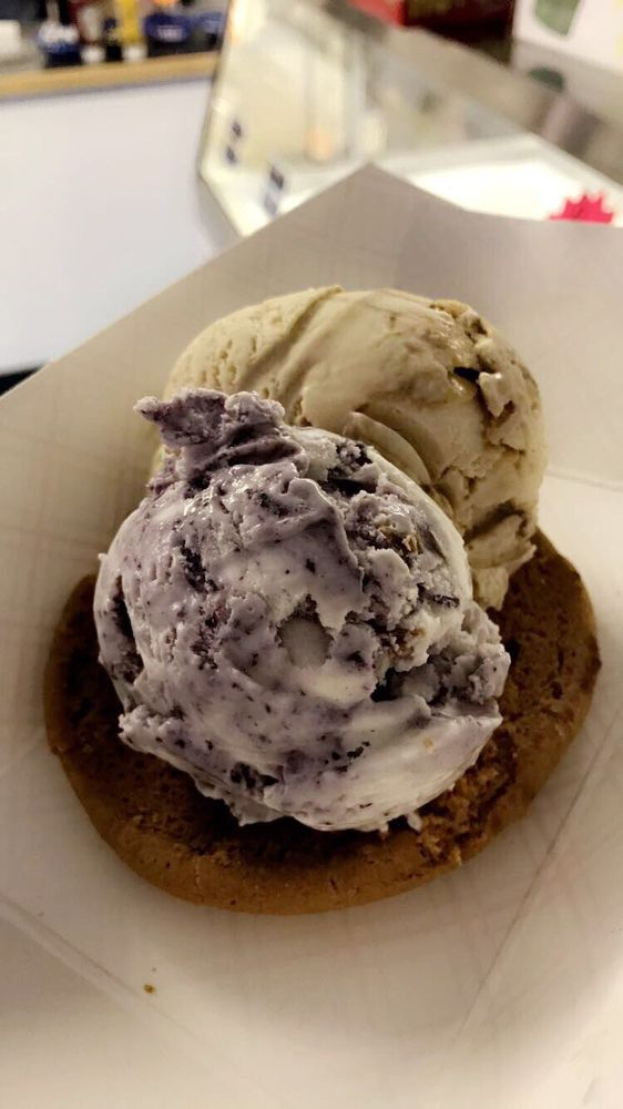 Annabelle's Ice Cream Parlor: 301 Front St, Beaver Dam, WI