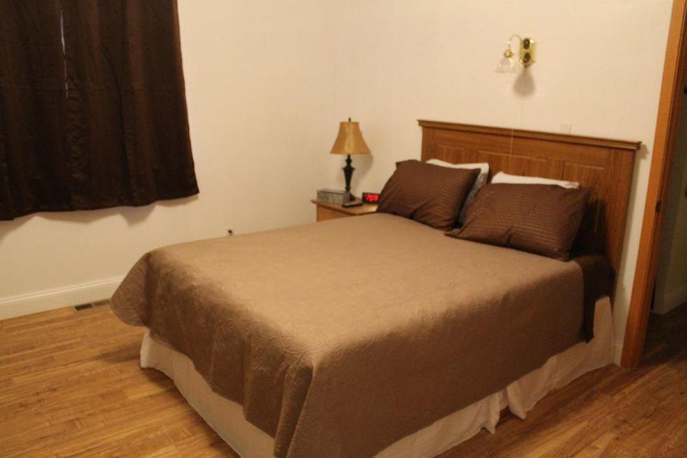 Country Inn: 1568 US Hwy 191 S, Malta, MT