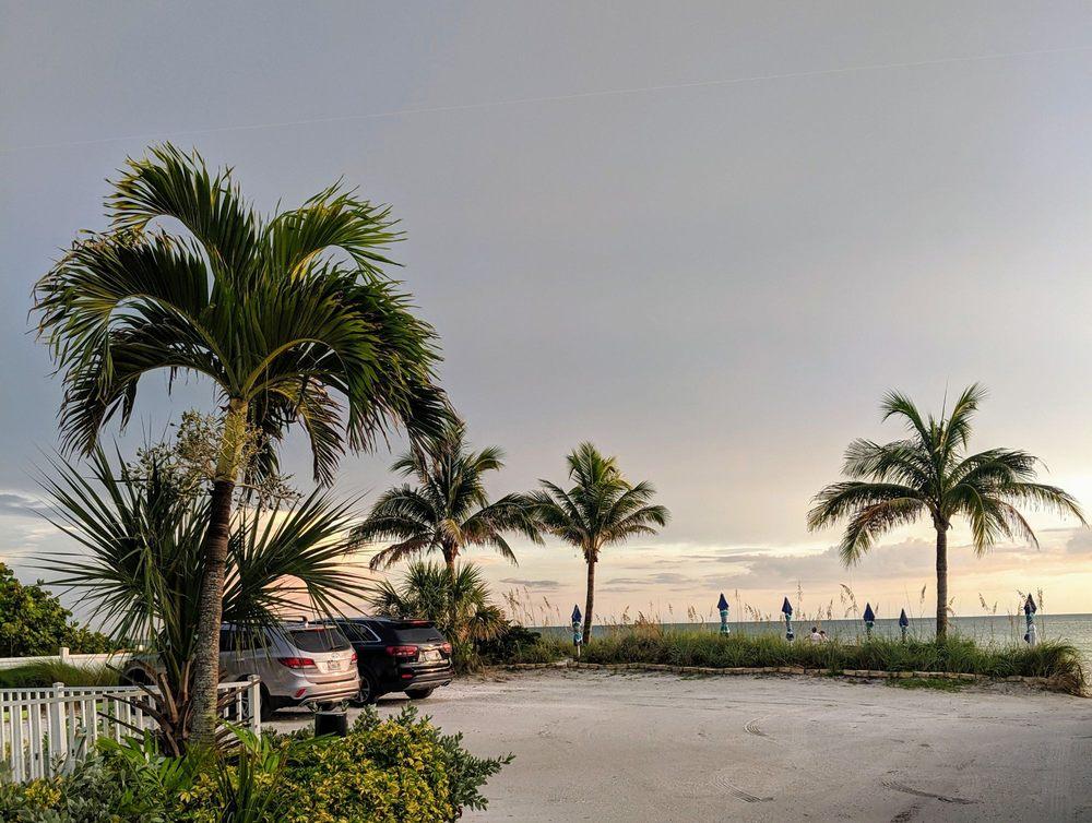White Sands Beach Resort - Gulf Front - Anna Maria Island: 6504 Gulf Dr, Holmes Beach, FL