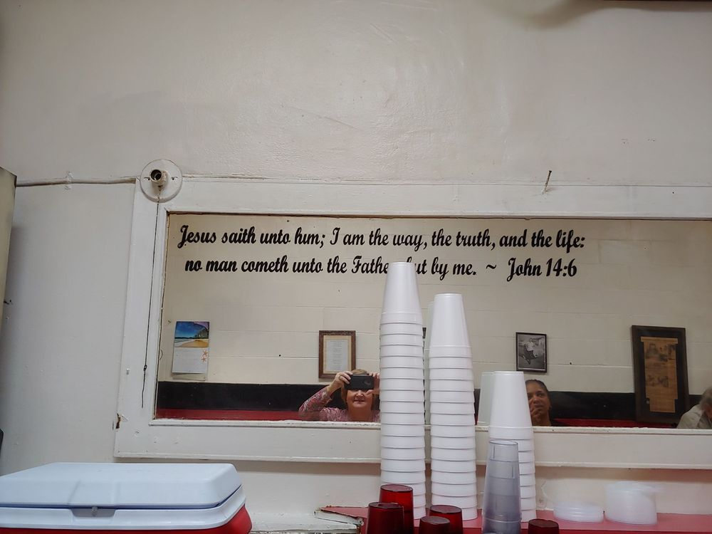 Tipton's Cafe: 127 W Depot St, Greeneville, TN