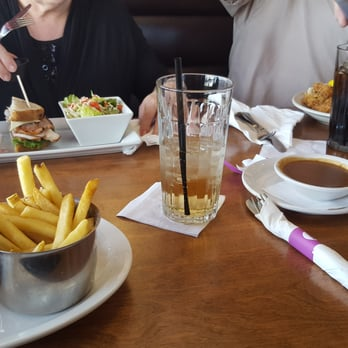 Road House Restaurant Brampton