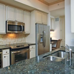 The Belle Meade at River Oaks - 53 Photos - Apartments - 2929 ...