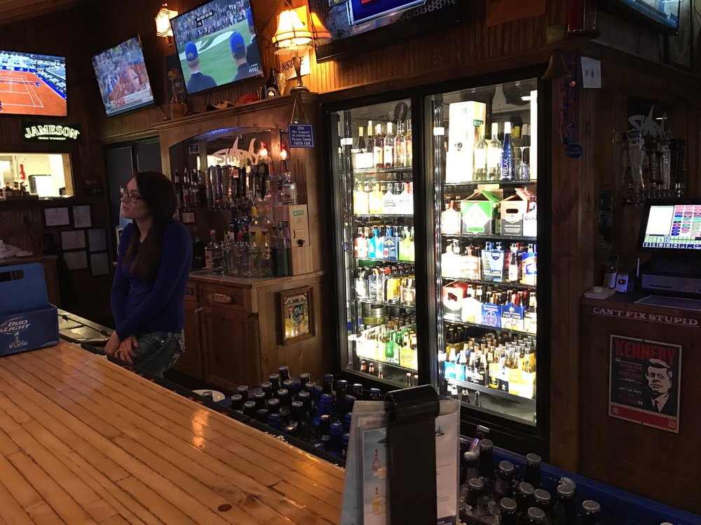 Sharky's Pub & Grub: 400 S Johnson Dr, Nevada, MO