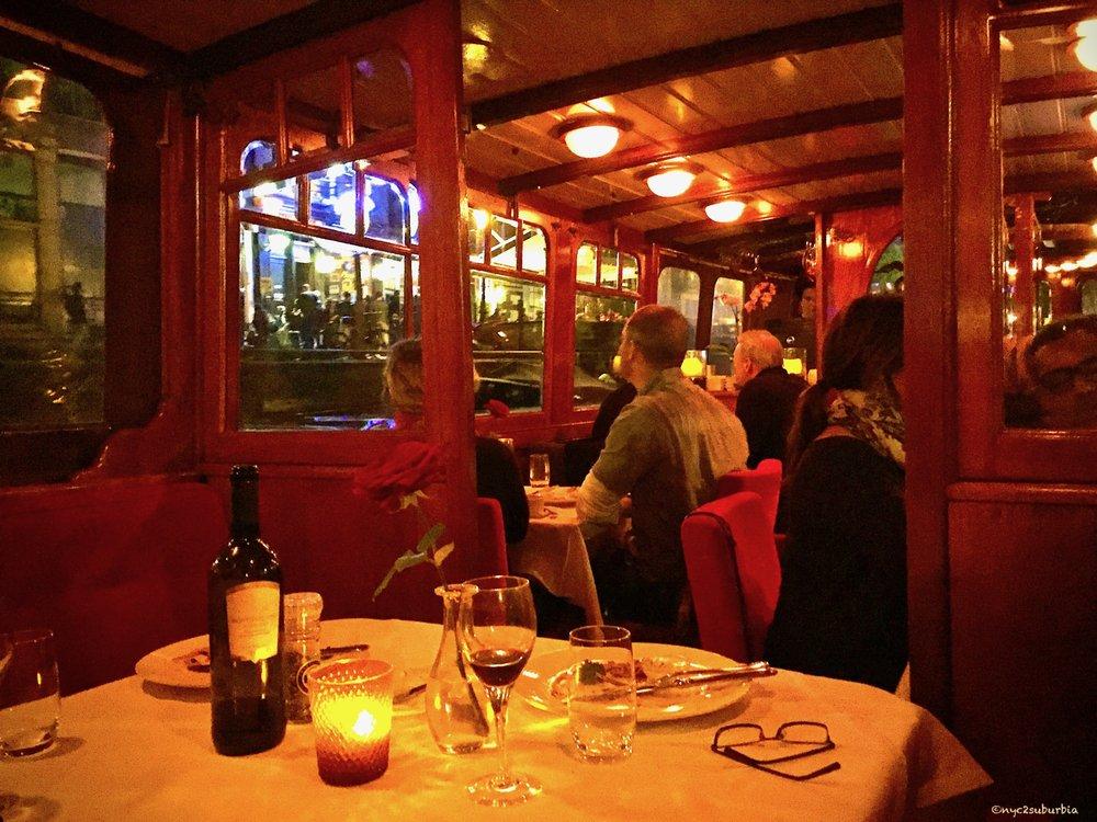 Amsterdam Jewel Dinner Cruise: Singel 235, Amsterdam, NH