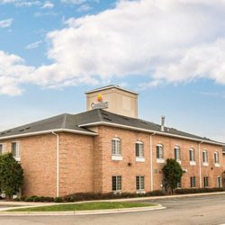 Photo Of Comfort Inn Suites Fenton Mi United States