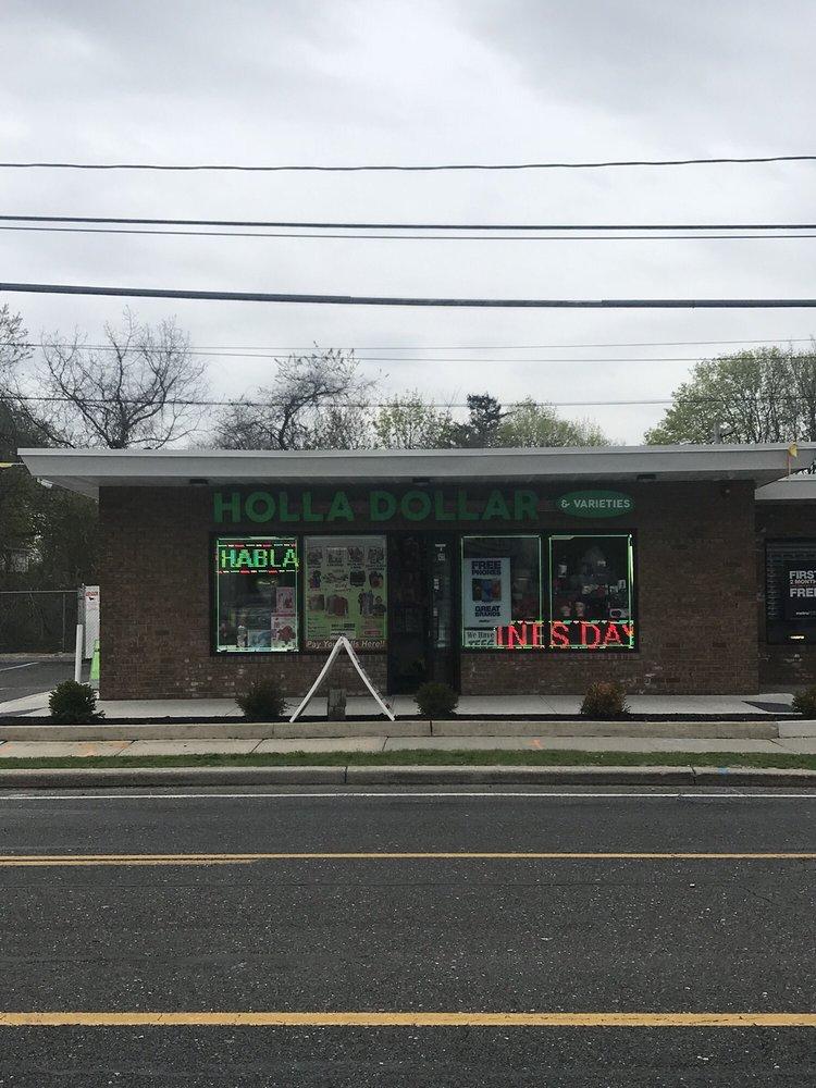 Holla Dollar: 1566 Montauk Hwy, Bellport, NY