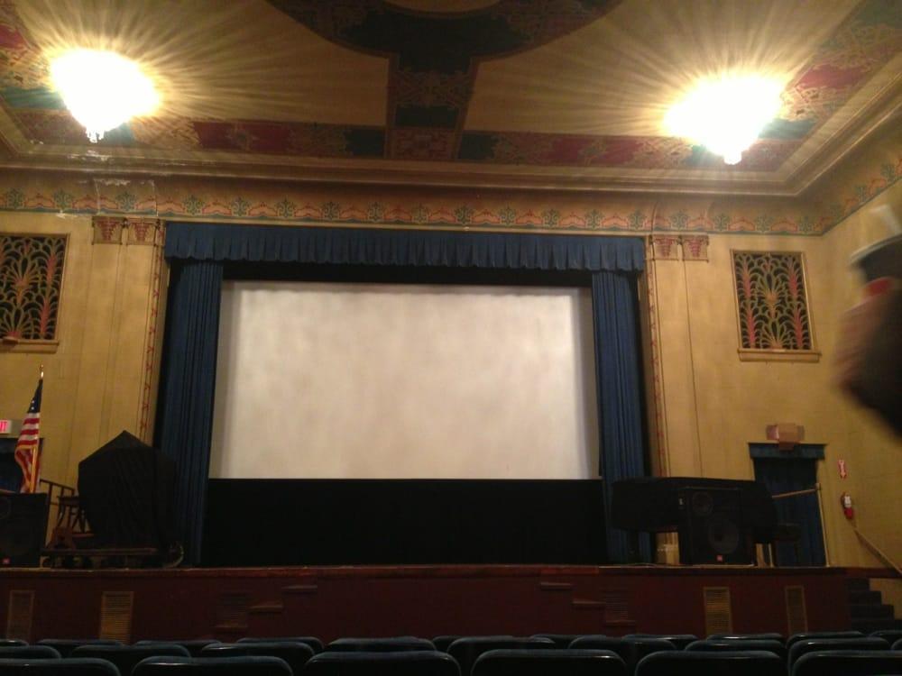 Raymond Theatre: 323 3rd St, Raymond, WA