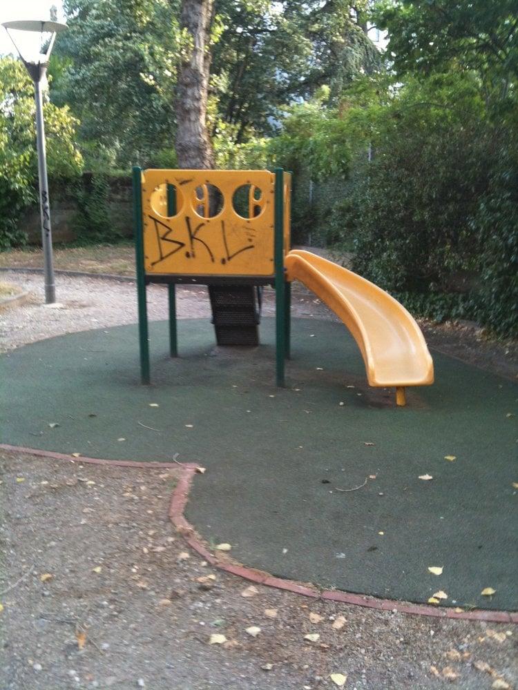 aire de jeux maximin playgrounds 54 rue st maximin monplaisir lyon france yelp. Black Bedroom Furniture Sets. Home Design Ideas