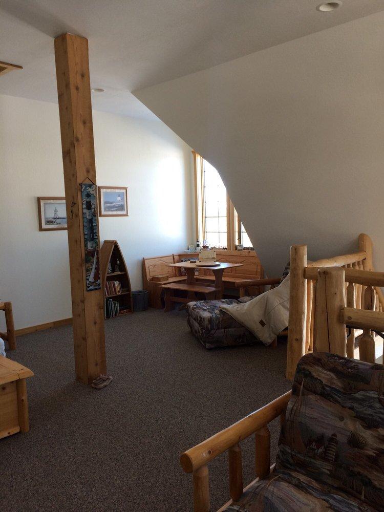 Second Wind Country Inn: 30475 Carlson Rd, Ashland, WI
