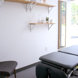 Peak Form Physiotherapy - Physical Therapy - 515 Lakeshore Road E ...