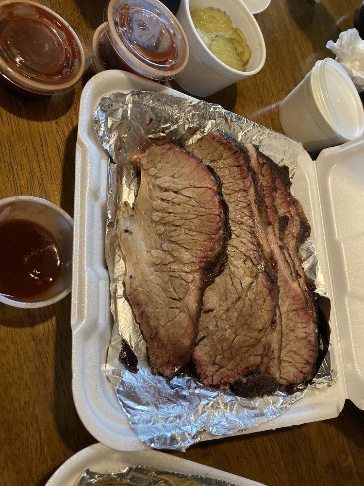 Monsters Smokehouse: 202 N Johnson St, Alice, TX
