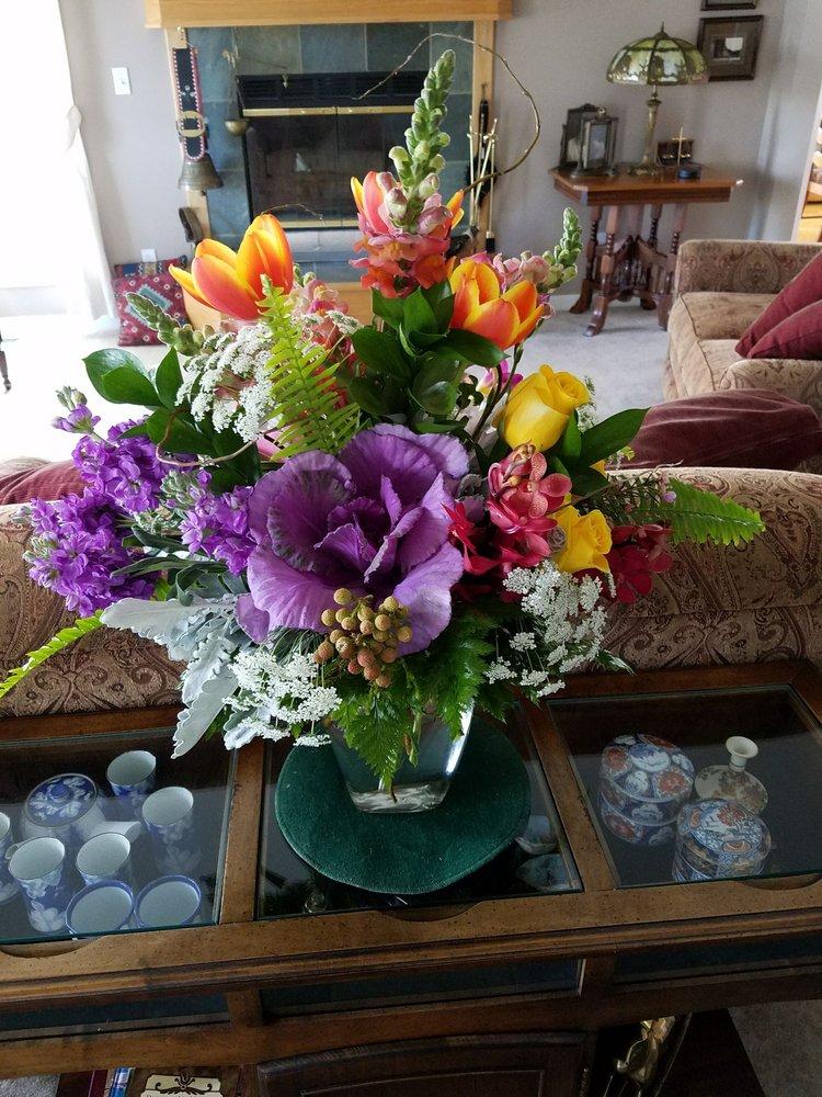 Babe's Flowers: 23 N Main St, Sheridan, WY