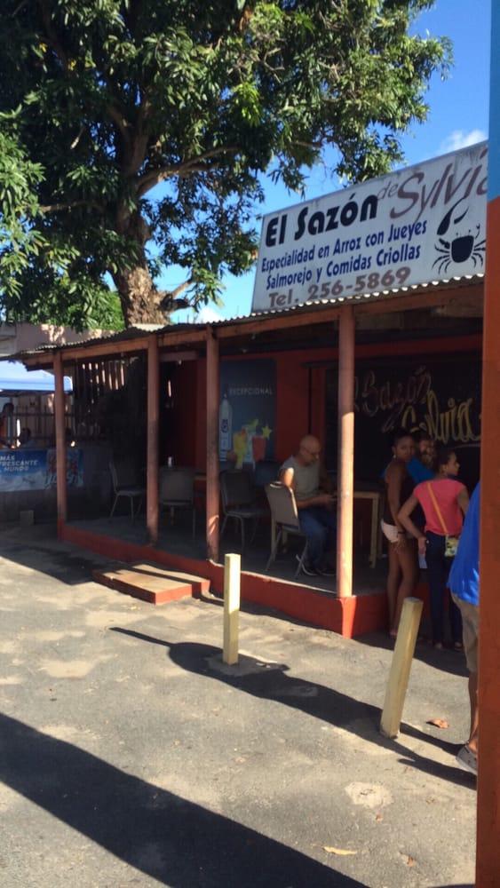 El Sazon de Sylvia: Carretera 187, Km 6.3, Loiza, PR