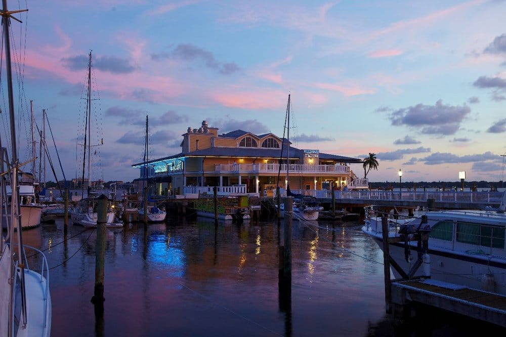 Riverhouse Reef & Grill