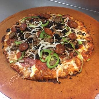 Round Table Pizza 41 Photos 67 Reviews Pizza 3327 Watt Ave