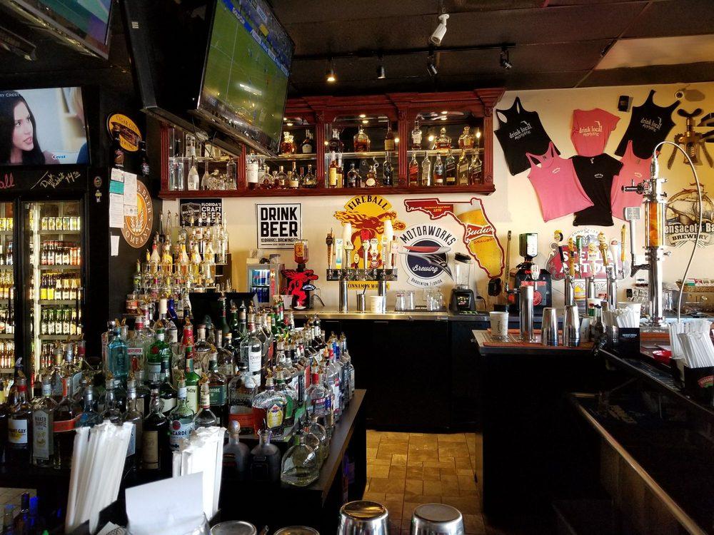 Mad Pub at Madeira Beach: 12933 Village Blvd, Madeira Beach, FL