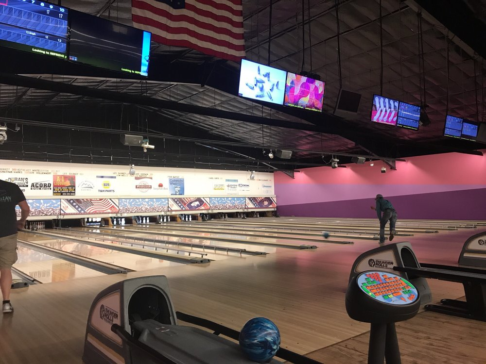 Thunder Rolls Bowling Center: 990 Industrial Ave, Craig, CO