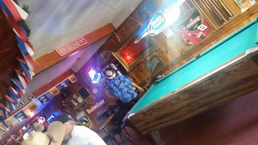 Railhead Saloon: 34 N Main, Colfax, CA