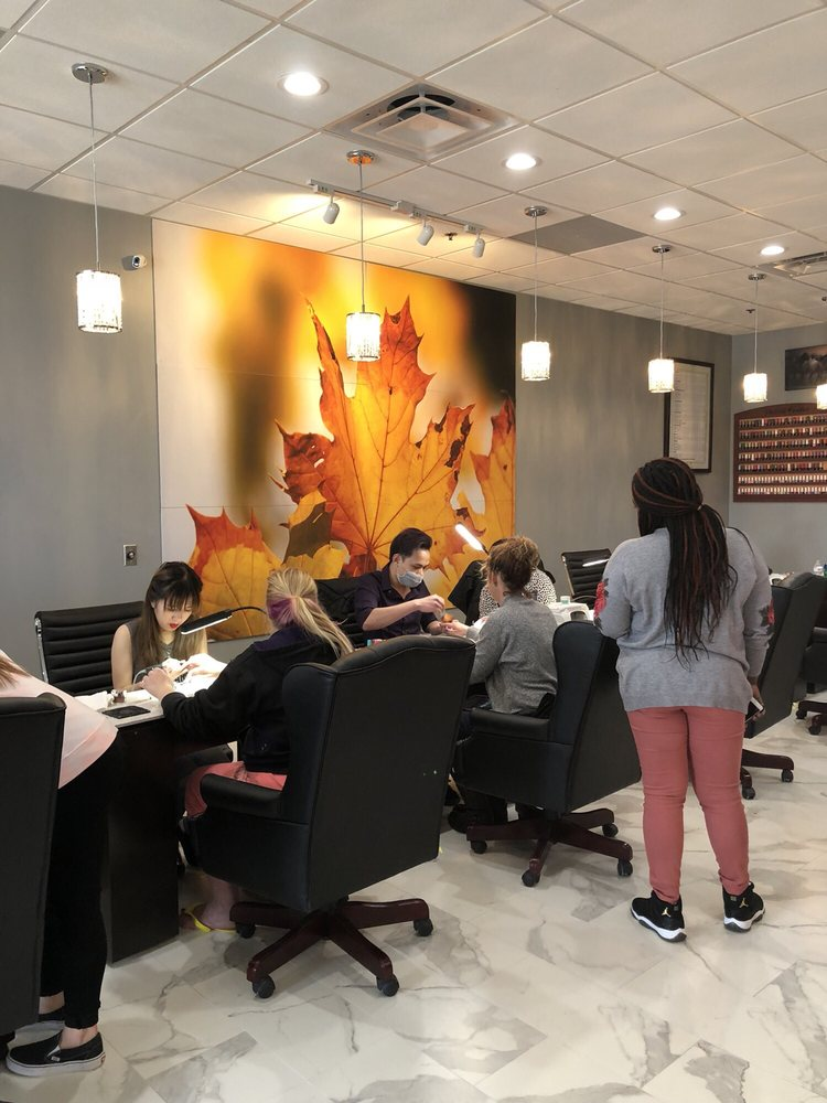 Crystal Nails & Salon: 2880 Devils Glen, Bettendorf, IA