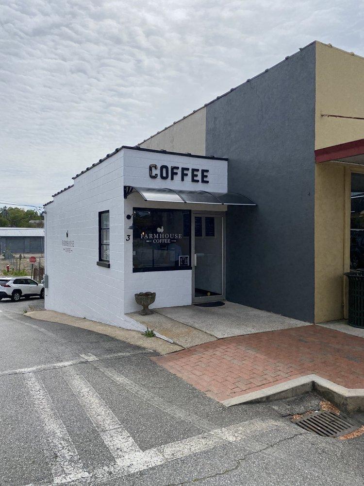 Farmhouse Coffee: 3 Courthouse Square, Cleveland, GA