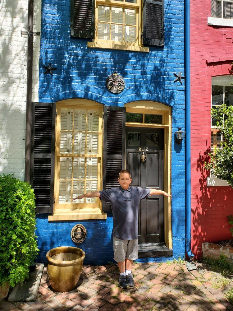 The Spite House: 523 Queen St, Alexandria, VA