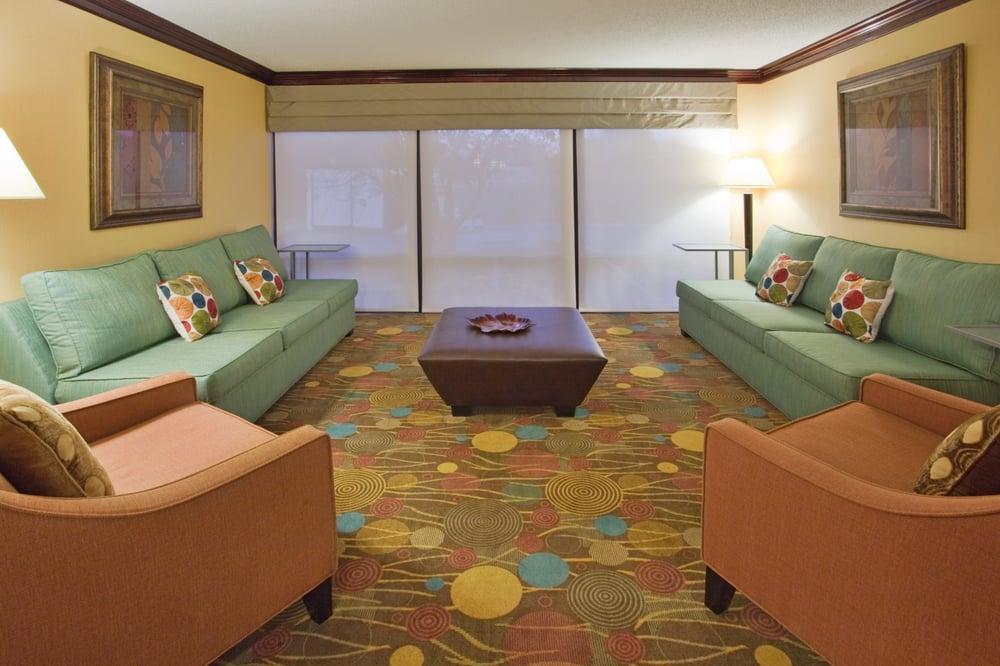 Holiday Inn Express Lynchburg: 5600 Seminole Ave, Lynchburg, VA