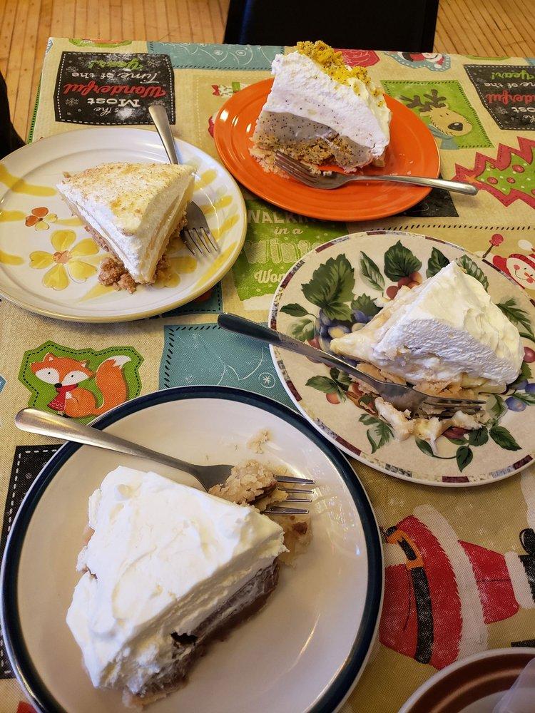 Myrtle's Cafe & Pie: 927 N Main St, Princeton, IL