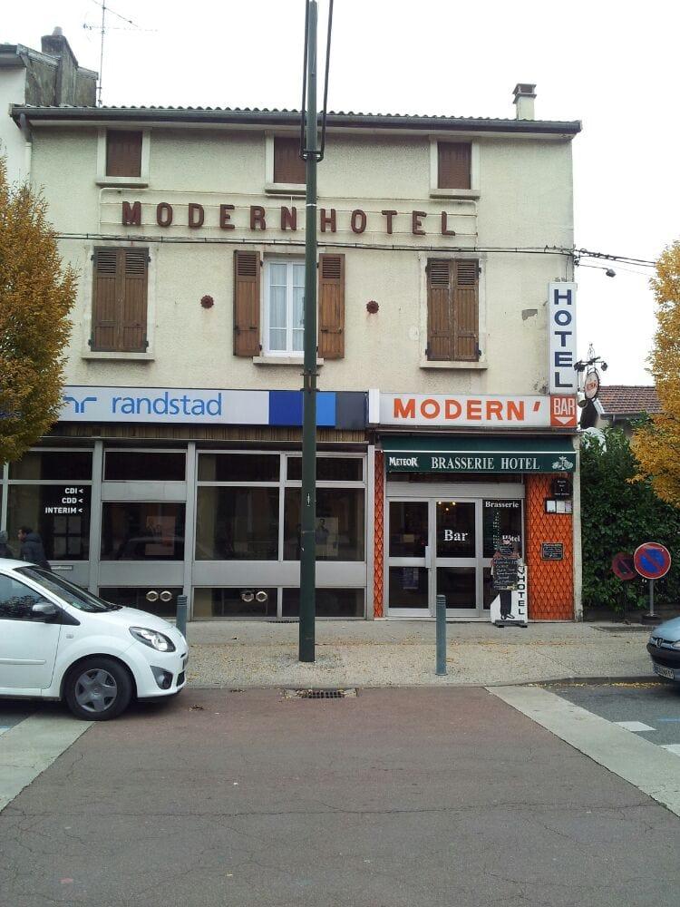 Modern h tel h tels 2 place de la gare amb rieu en for Hotel france numero