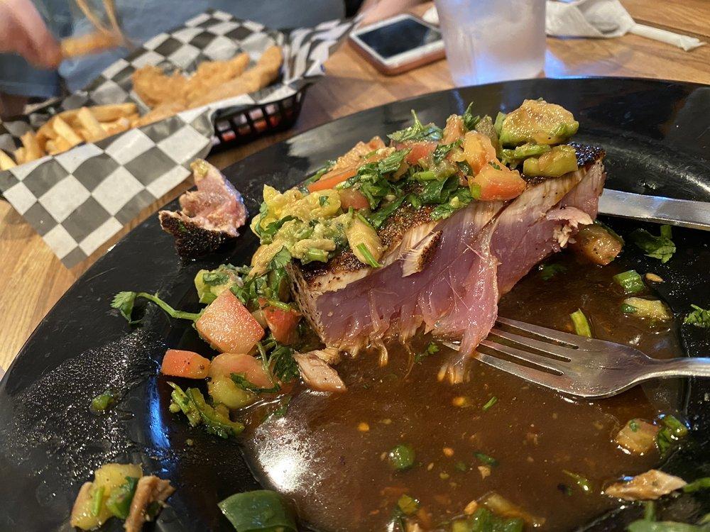Angelo's Restaurant & Raw Bar: 15835 Kings Hwy, Montross, VA