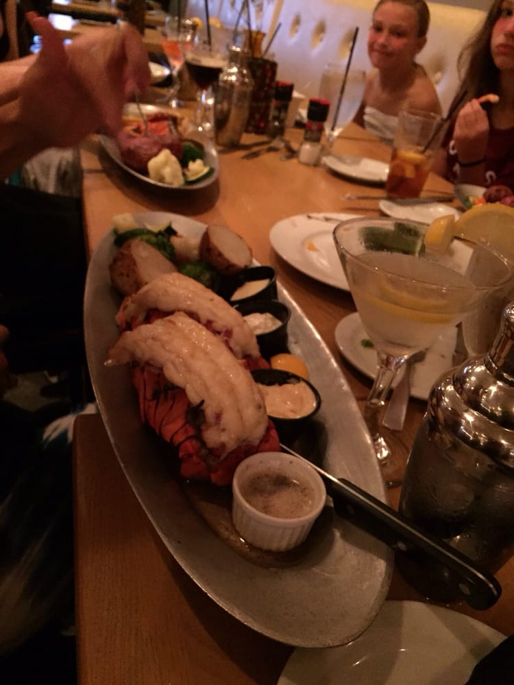 Hooked Seafood & Martini Bar