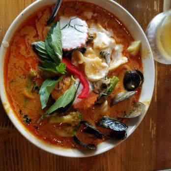 Isarn Thai Soul Kitchen Order Online 830 Photos 500 Reviews Thai 170 Lake St S