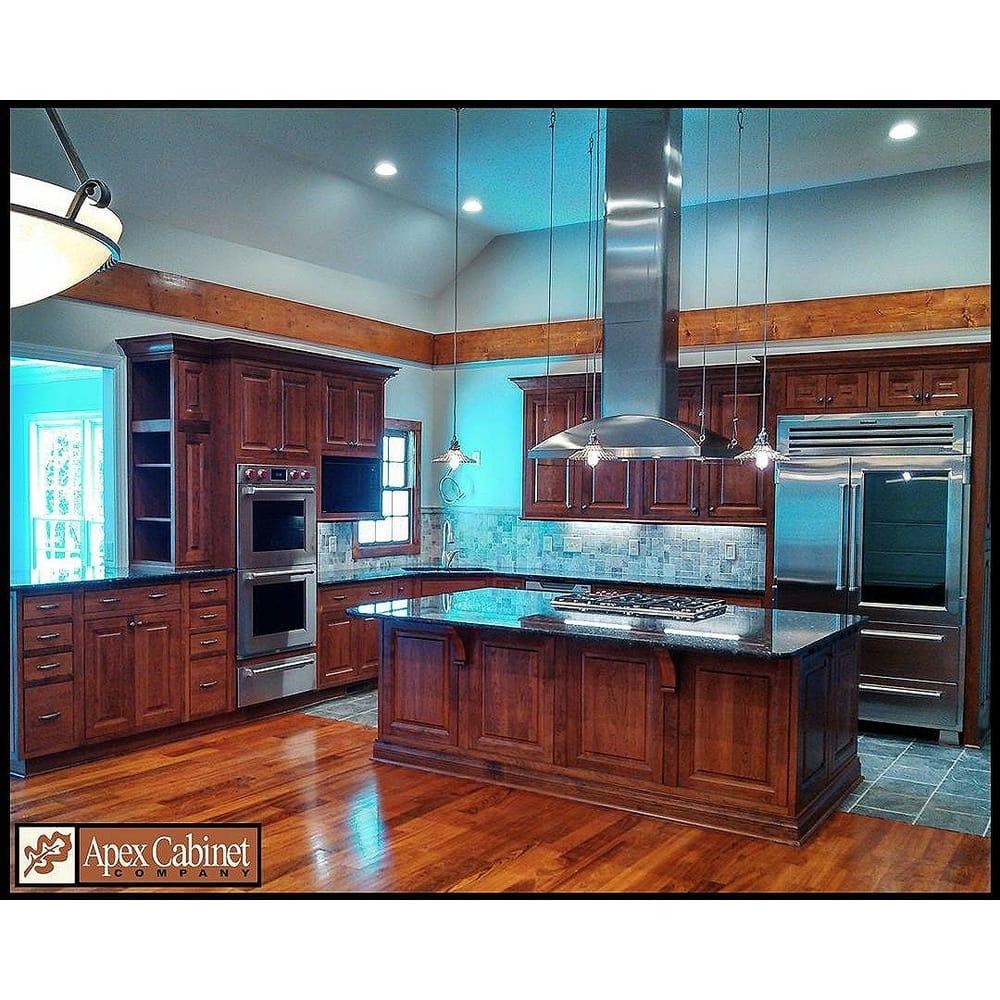Kitchen - Pinewood Dr. Apex Diamond Vibe Cabinets - Caito doorstyle ...