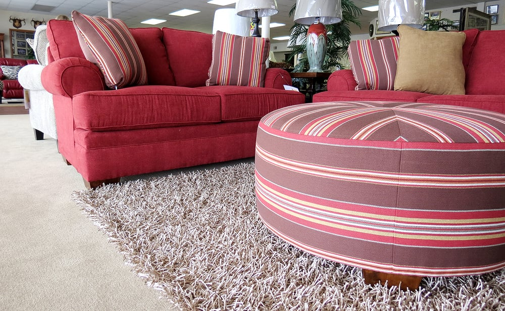Milton\'s - Furniture Stores - 206 NW Loop 230, Smithville, TX ...