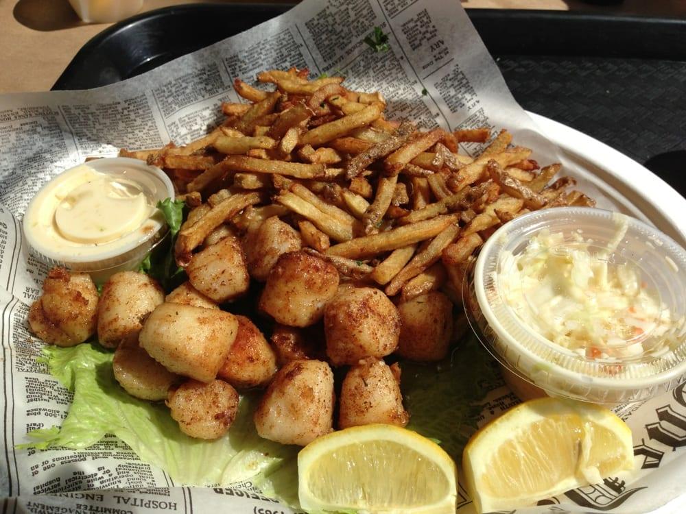 Saut ed peconic bay scallops yelp for Southold fish market