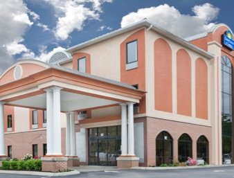 Days Inn & Suites by Wyndham Murfreesboro: 182 Chaffin Place, Murfreesboro, TN