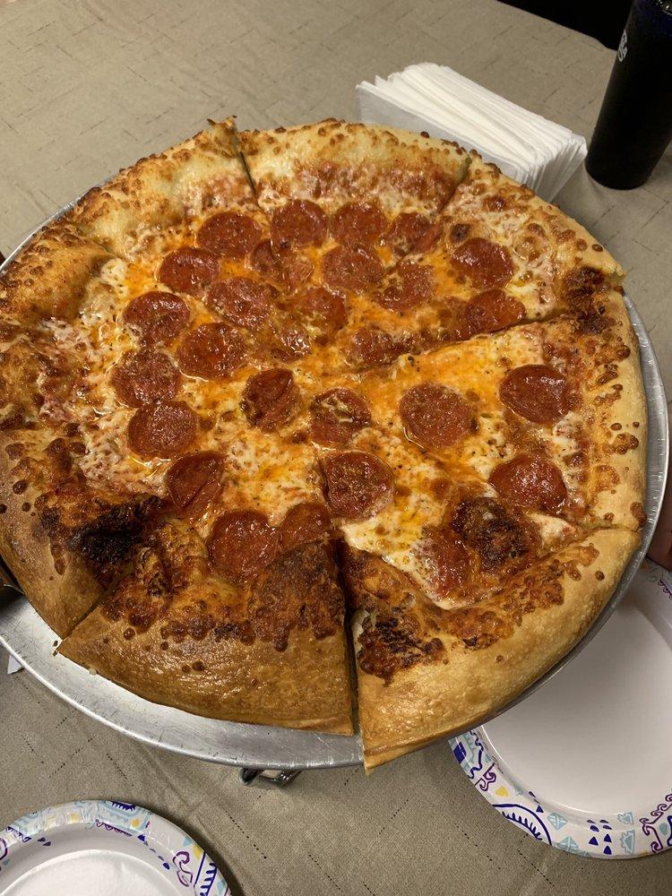 Alamogordo Pizza & Burgers: 910 N New York Ave, Alamogordo, NM