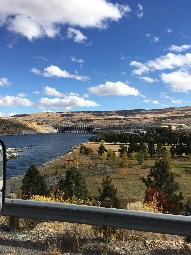 Chief Joseph Dam: Bridgeport, WA