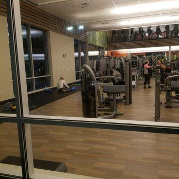la fitness 31 photos 22 reviews gyms 305 w jericho turnpike