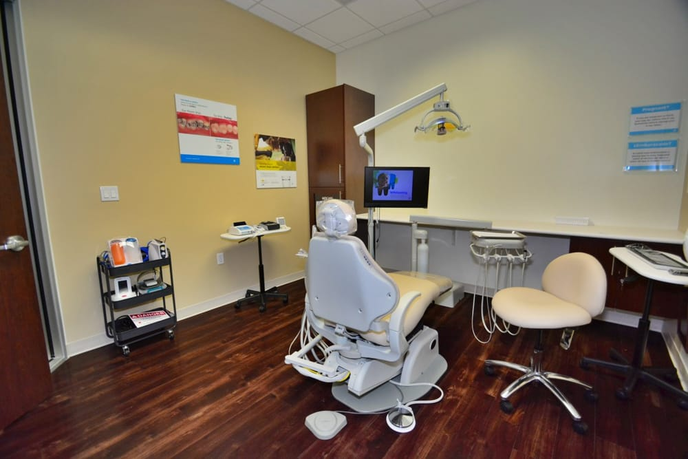 Fontainebleau Dentistry: 9971 W Flagler St, Miami, FL