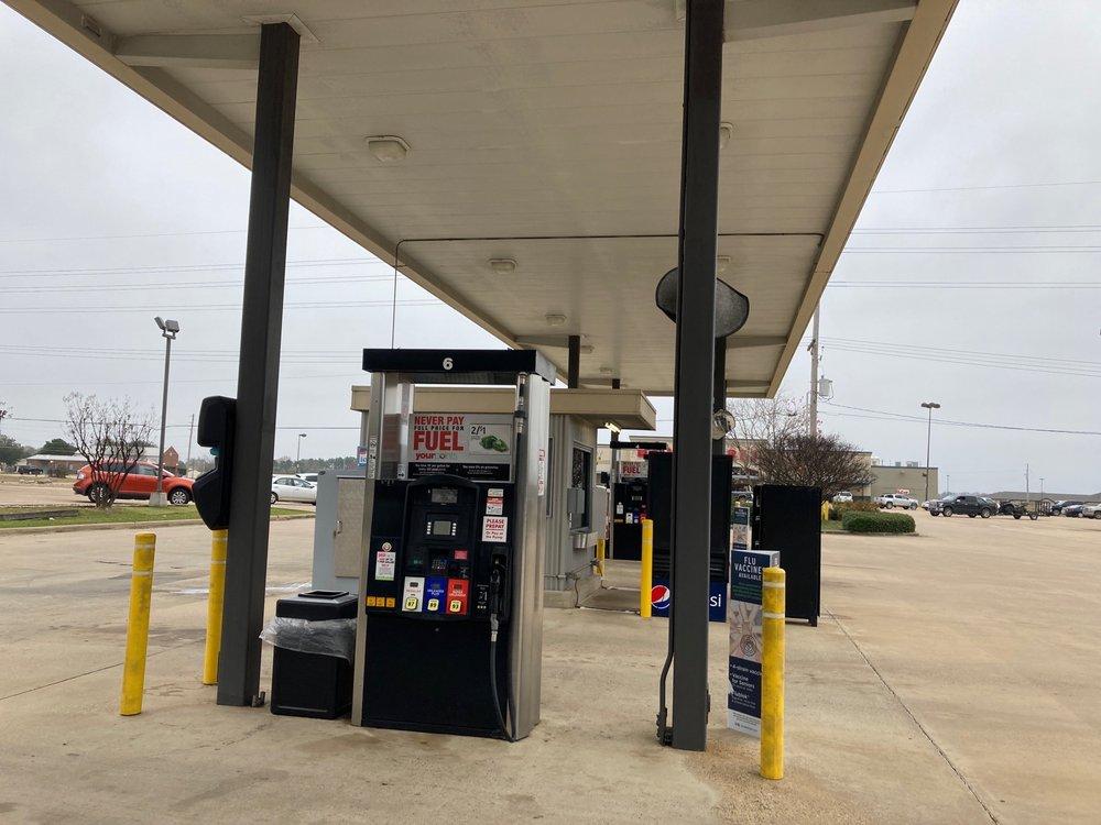Brookshire's Fuel Center: 1310 Constitution Ave, Ashdown, AR