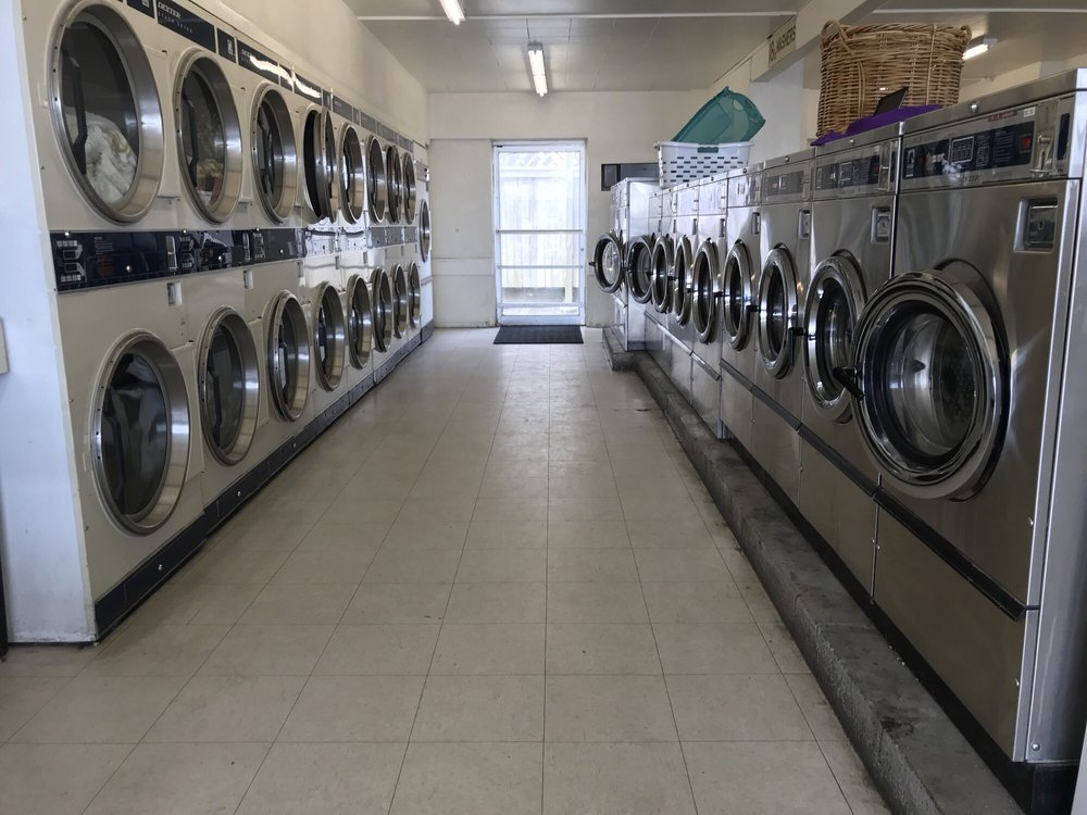 Econo-Wash Laundry & Dry Cleaners: 2022 Commercial Ave, Anacortes, WA