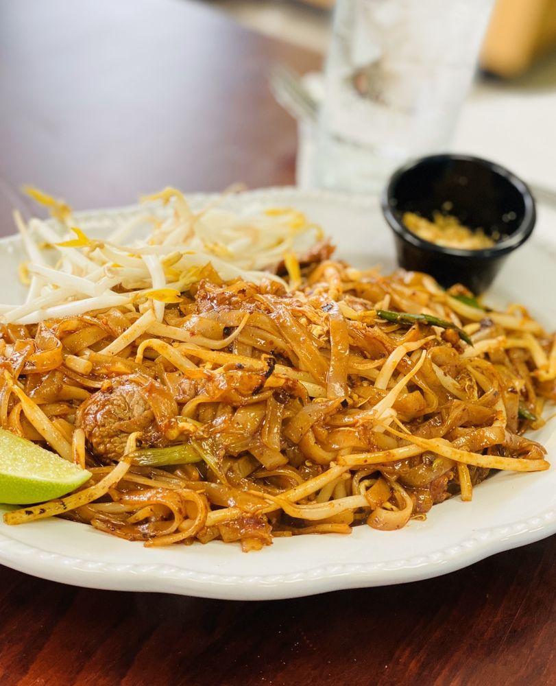Dalis Lao Thai Cafe: 1181 Rinehart Rd, Sanford, FL