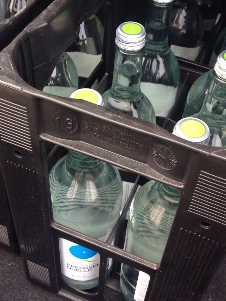 Wasser exclusiv by Nordmann Getränke ggü. Audi Zentrum Berlin ...