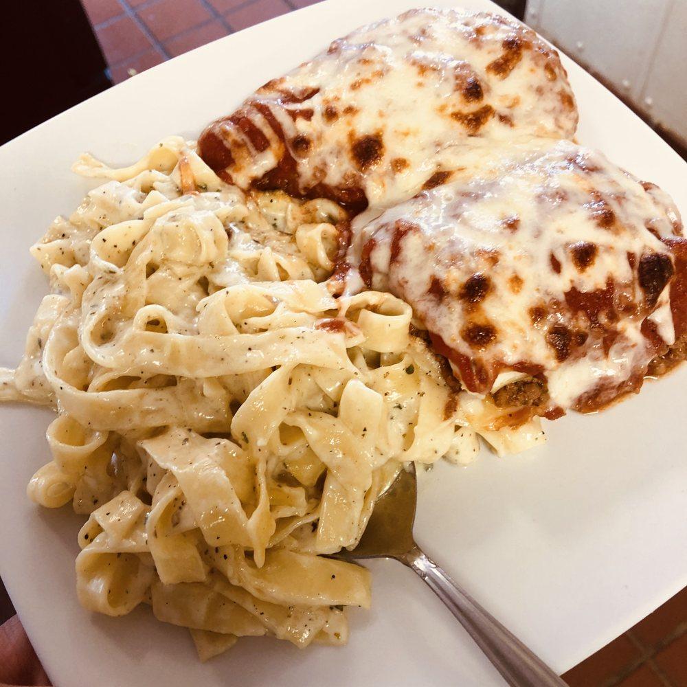 Roma's Italian Restaurant: 112 W Noble Ave, Guthrie, OK