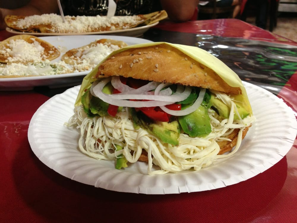 cemita de quesillo