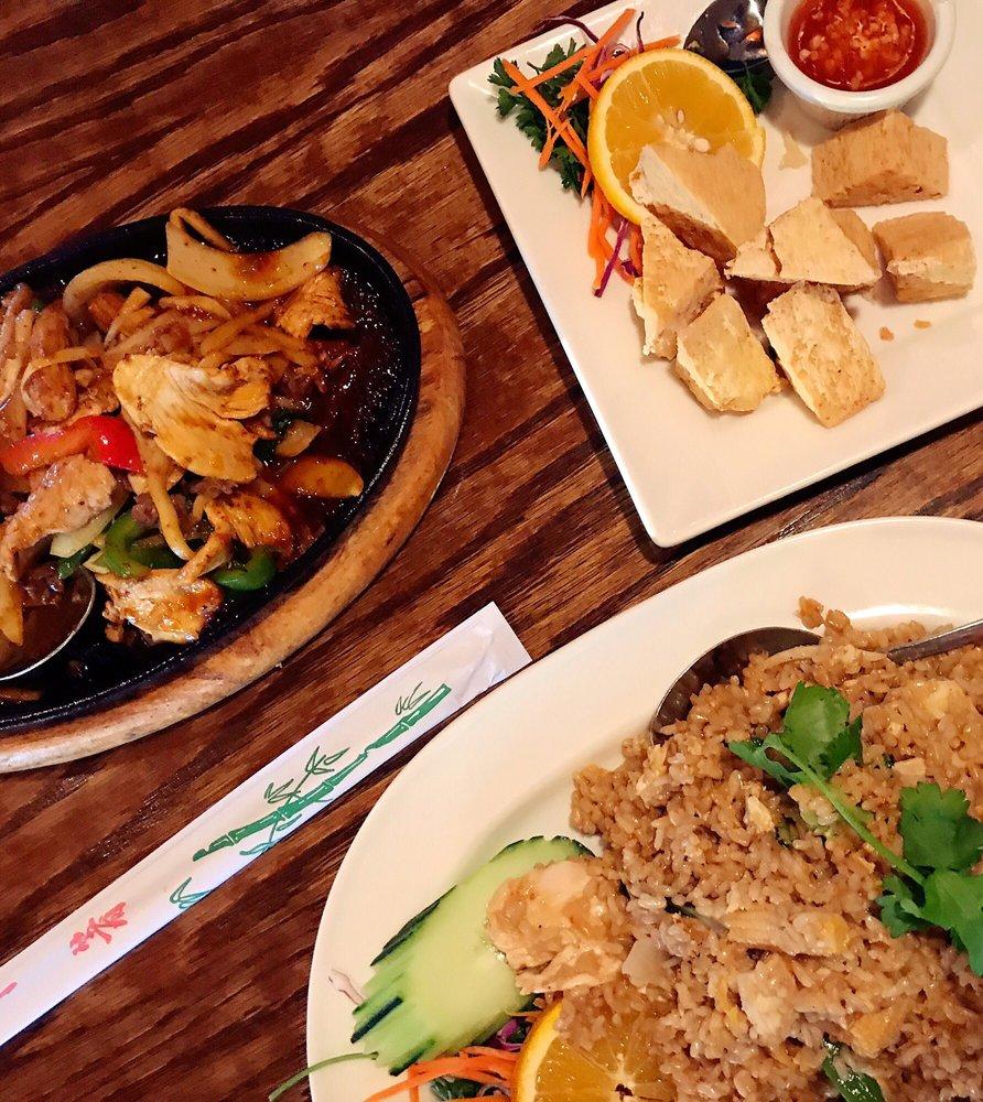 Benjarong Thai Restaurant: 19480 State Rt 2, Monroe, WA