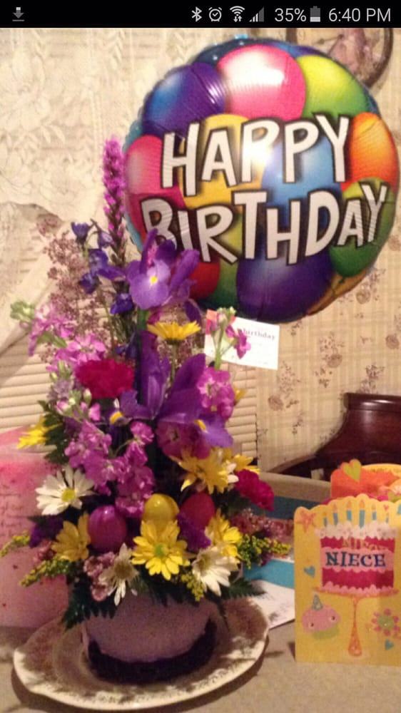 Les Marie Florist and Gifts: 1001 S Park Ave, Herrin, IL