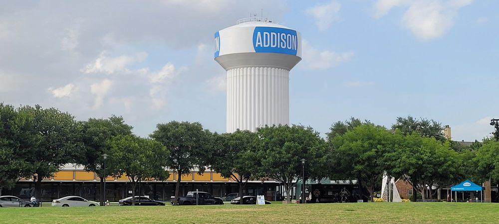 Addison Circle Park: 4970 Addison Cir, Addison, TX
