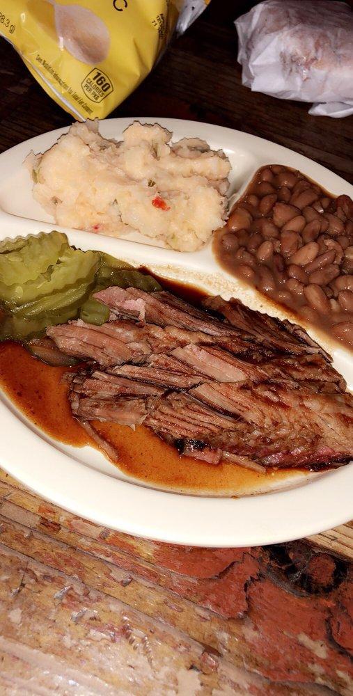 Evett's BBQ: 301 E Main St, Uvalde, TX